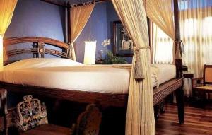 hotel tugu - zamrud suite