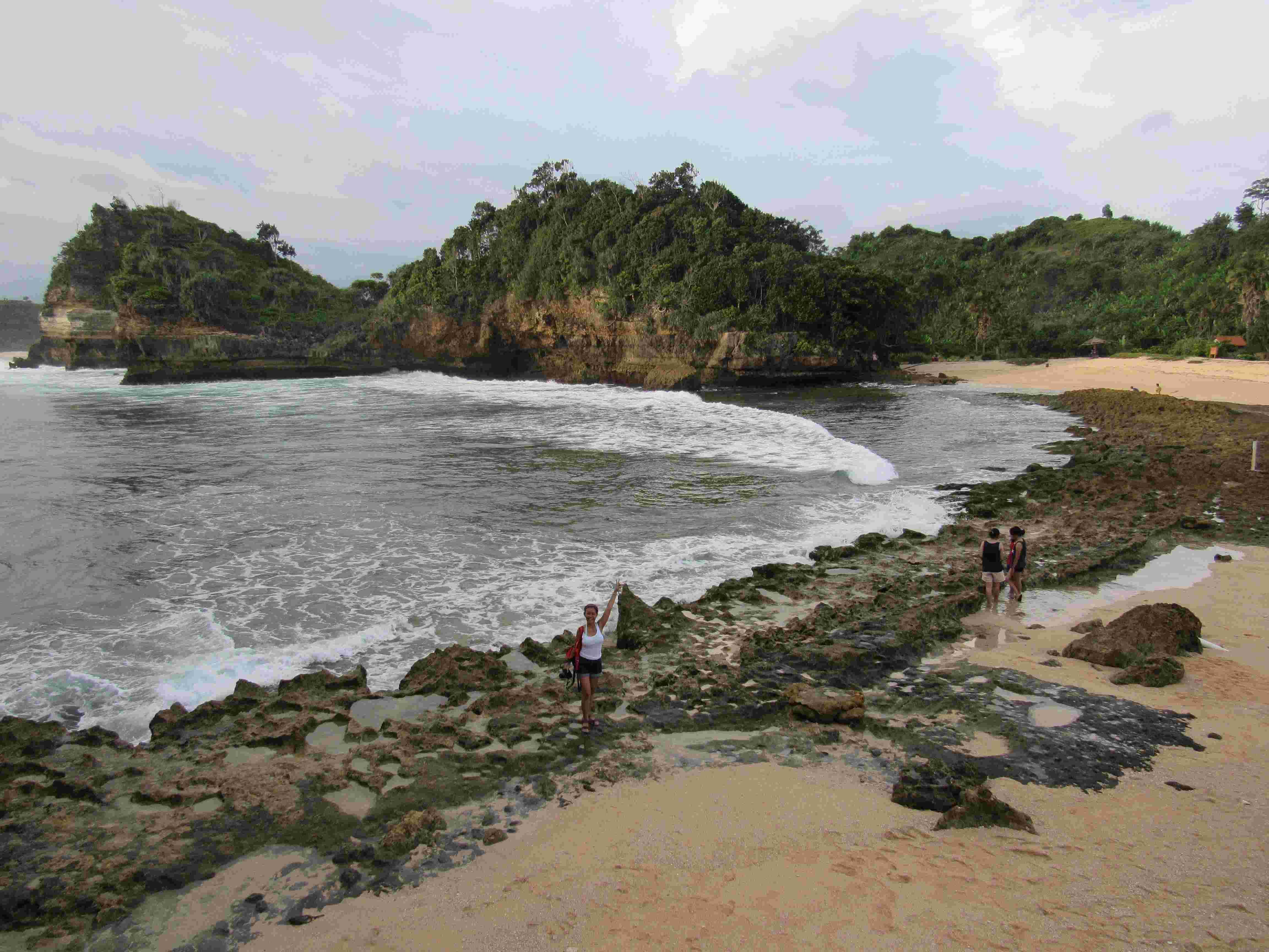 Wisata Pantai Batu Bengkung Malang Pantai Baru Nan Eksotis