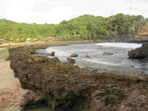 pantai_batu_bengkung_malang-3