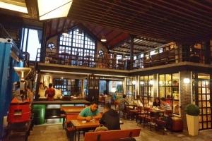 tempat nongkrong malang - Golden Heritage Coffee