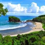 """Wisata Pantai Jelangkung Malang: """"Datang tak Diundang Pulang tak Diantar"""""""