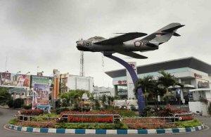 monumen Pesawat MIG-17 (Jl Soekarno Hatta)