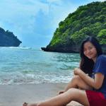 Birunya Pantai Teluk Asmara di Malang Selatan