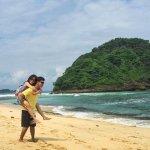 Sederetan Pantai Malang Selatan yang Wajib Disaksikan Sendiri Keindahannya