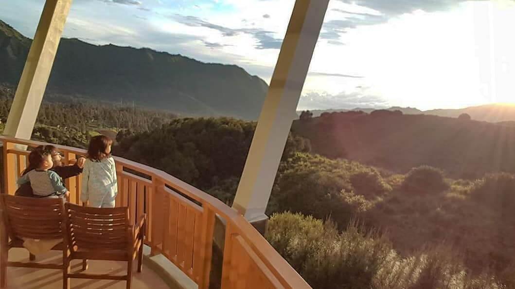 Sunrise dari Lava View Lodge
