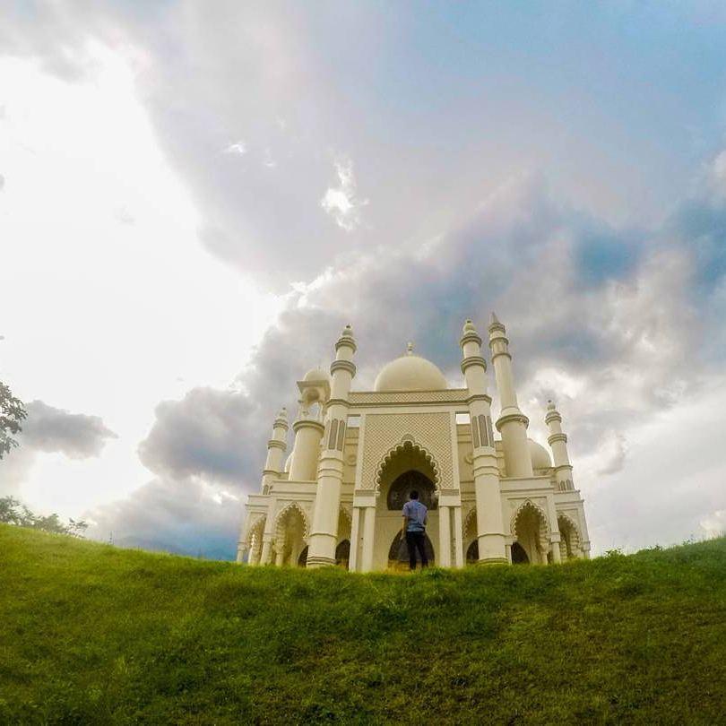 Masjid Taj Mahal, Dau Malang