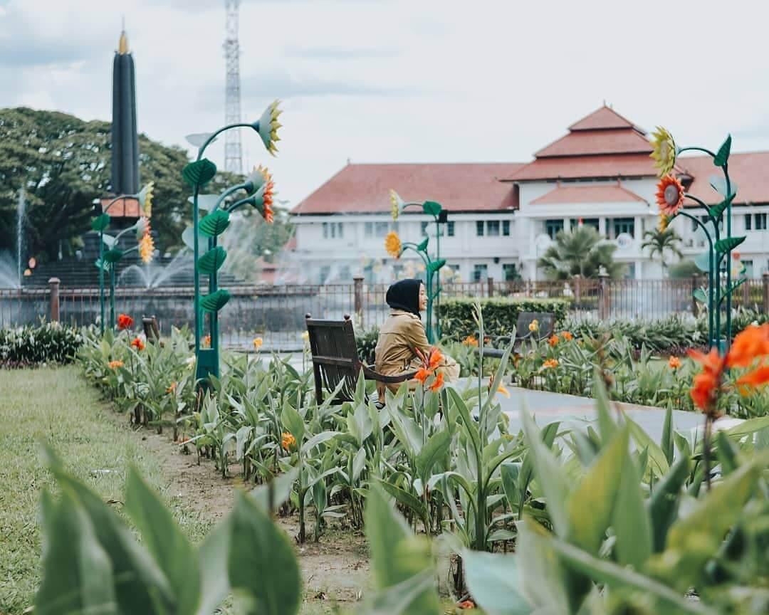 Tugu Kota Malang