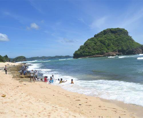 img_paket-wisata-bromo-pantai-goa-cina