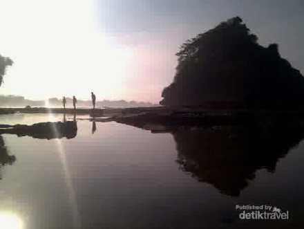 pantai jelangkung malang
