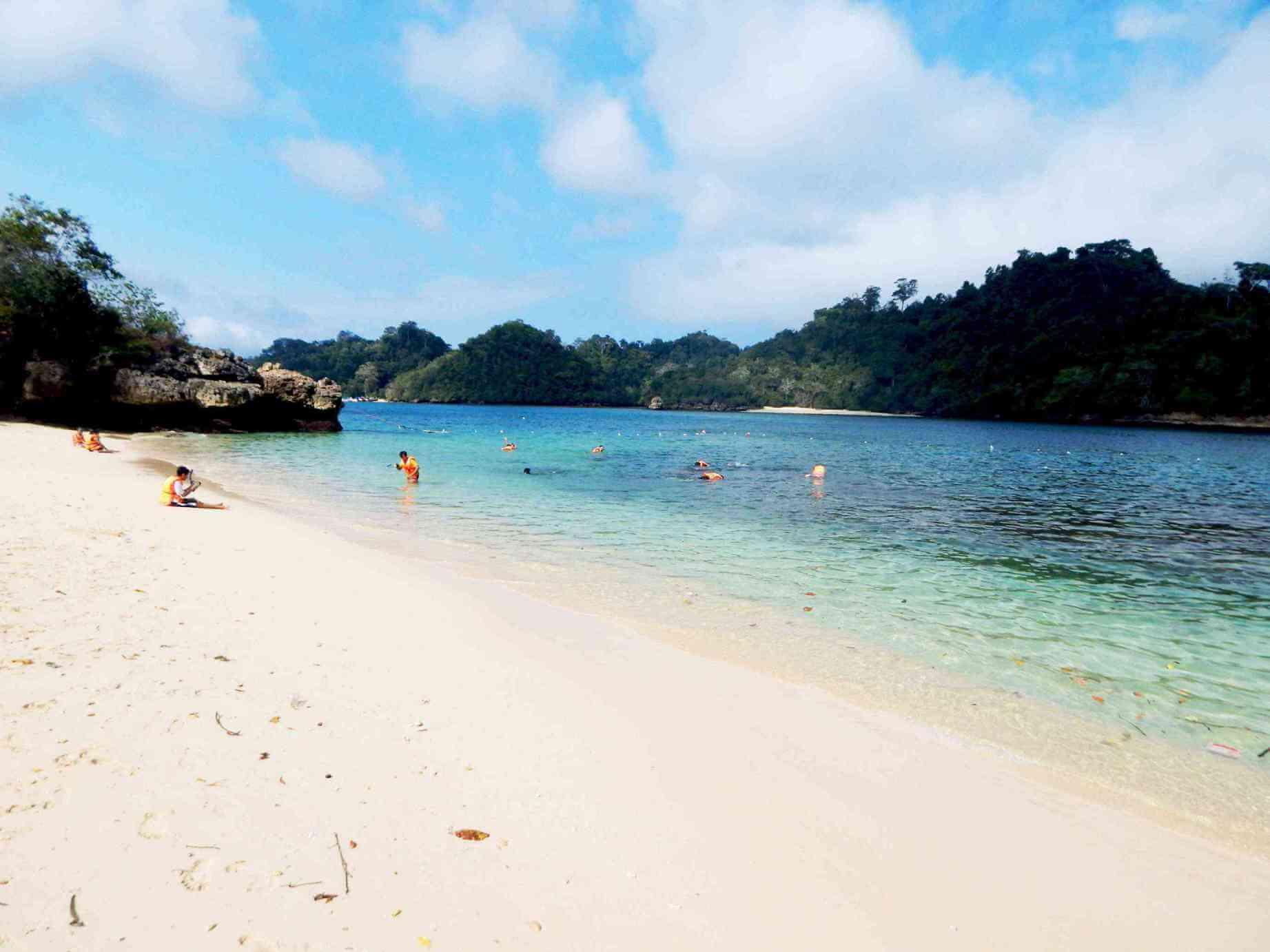 Pantai Tiga Warna Malang: Surga Yang Tersembunyi di Malang Selatan
