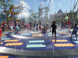 Wahana Plaza Hawai Waterpark Malang