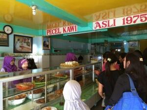 wisata kuliner legenda di malang pecel kawi