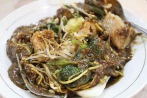 wisata kuliner legenda di malang rujak cingur bude ruk