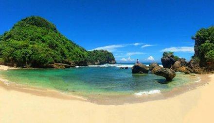 wisata pantai watu leter malang