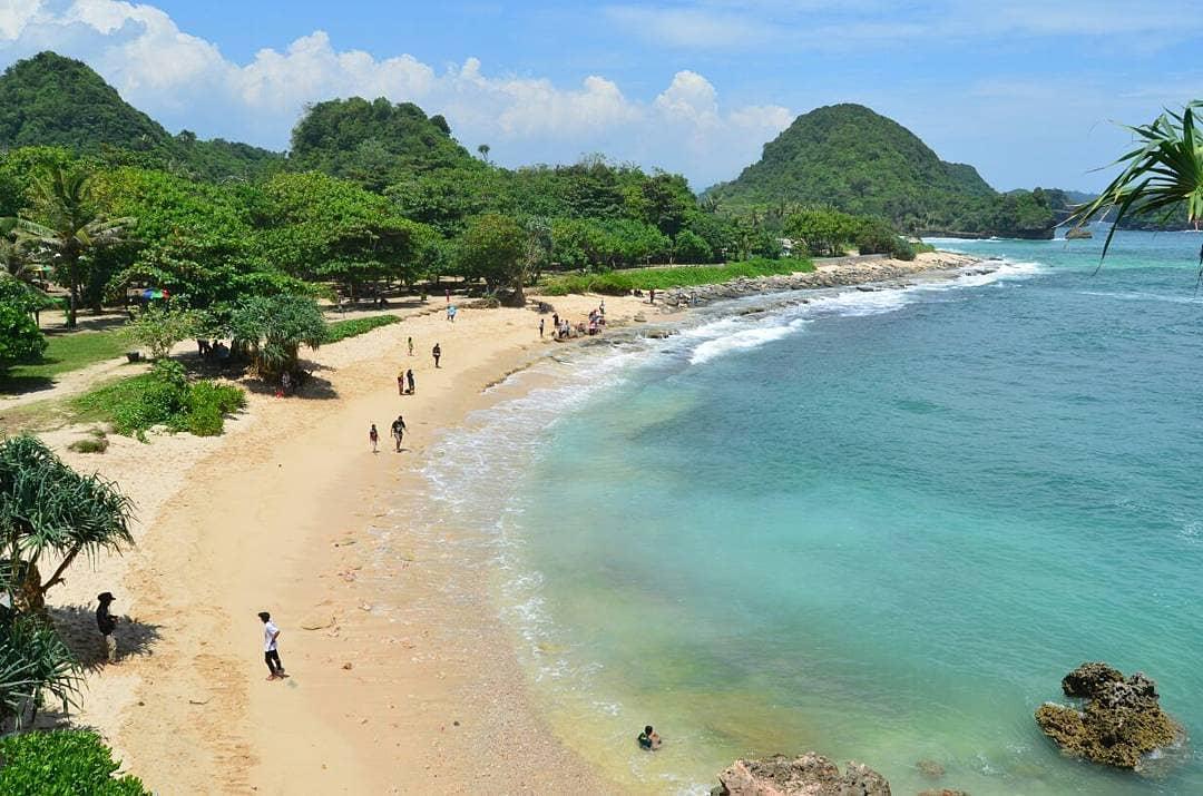 Pantai Goa Cina Malang