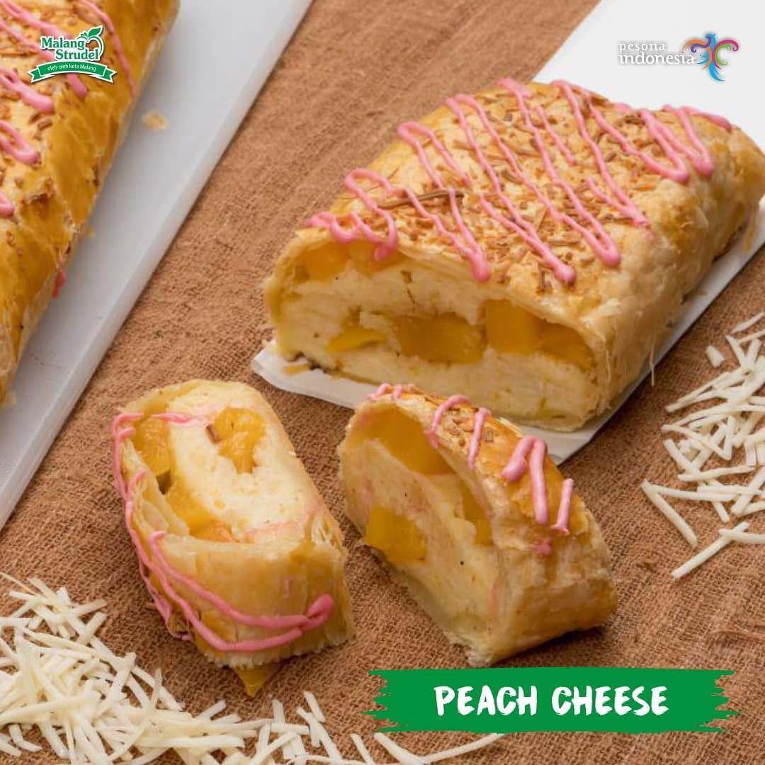 Malang Strudel Peach Cheese