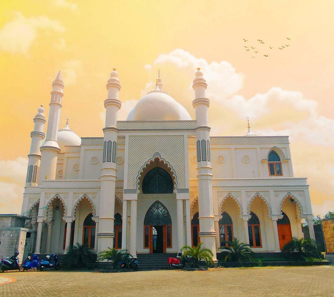 Masjid Ustman Bin Affan, Malang