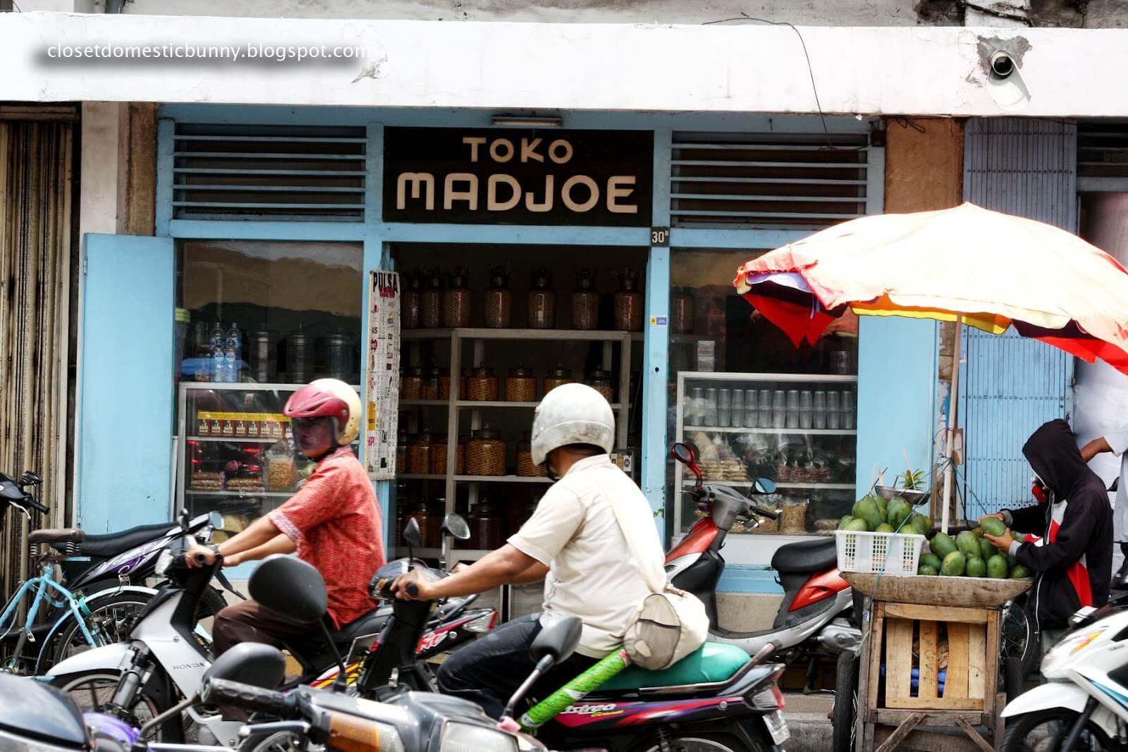 Toko Kue Madjoe