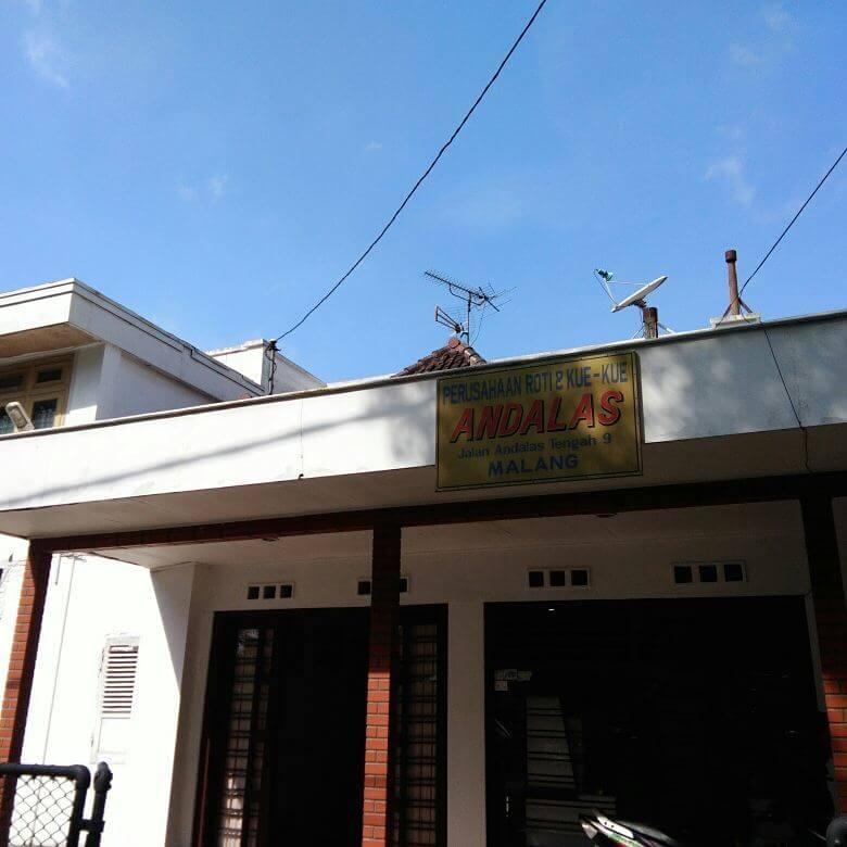 Toko Roti Andalas Malang