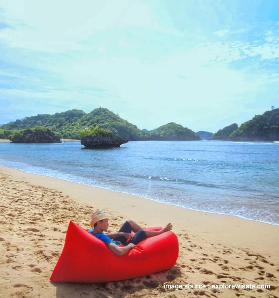 lokasi pantai teluk asmara malang