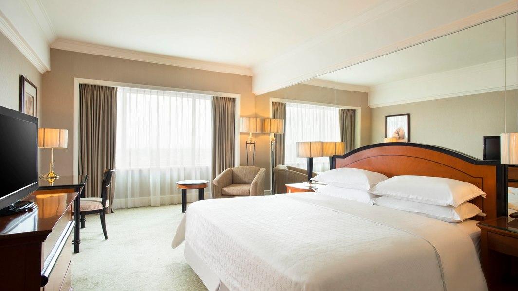 hotel Sheraton Hotel & Towers dekat mall surabaya