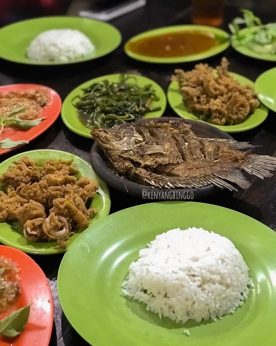 warung seafood cak rie malang