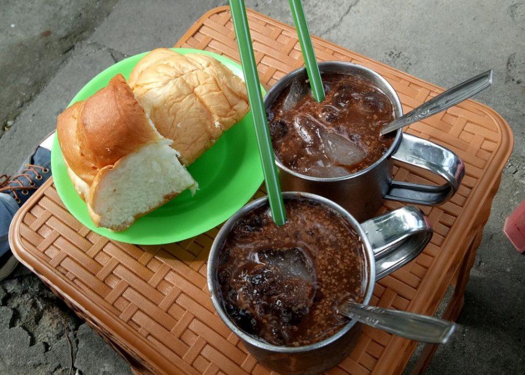 es Coklat Tambah Umur 1950 - travel malang surabaya