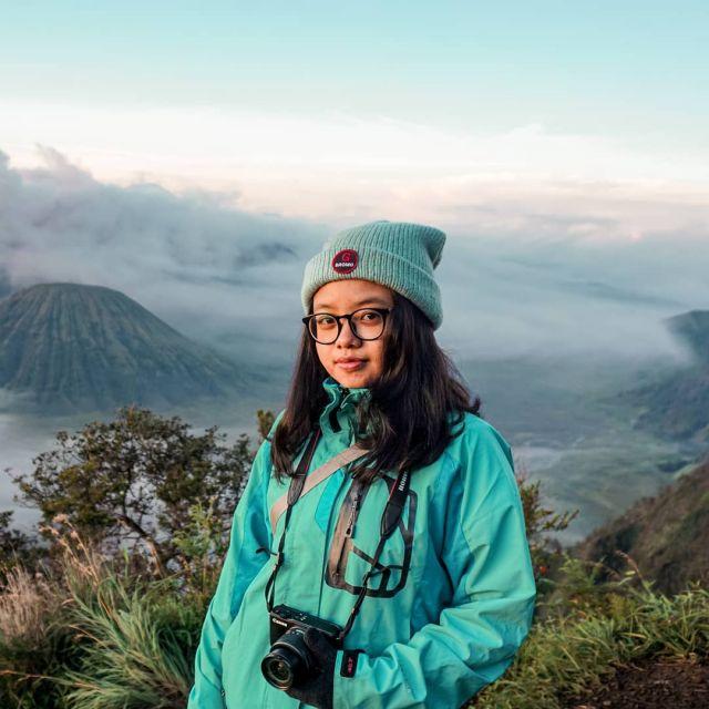 Indonesia merupakan salah satu negara yang memiliki kekayaan alam yang melimpah. Hampir dari setiap daerah memiliki destinasi wisata alam yang bagus dengan pemandangan alam yang indah. Kalau di Jawa Timur, Bromo adalah destinasi andalan yang selalu menjadi tujuan bagi para wisatawan lokal maupun mancanegara 🤩   Yuk ke Bromo bareng kami @ongistravel! ✨  Informasi lebih lanjut hubungi : 📷 Instagram: @ongistravel 📞 082 21 8888 236 | 082 21 8888 239 (Whatsapp, Call, SMS) ☎️ Call Center (0341) 496 753  📩 ongistravel@gmail.com 🌎 www.ongistravel.com . #ongistravel  #paketwisatabromo #paketwisatamalang #tripmalang  #bromo #tripbromo #fotobromo #folkgreen #dagelan #sunrisebromo #folkindonesia  #ayodolan  #livefolkindonesia #bromomurah #exploreindonesia #bromotrip #explorebromo #amazingmalang  #opentripbromo #exploremalang #exploregunung  #indonesia_photography #tripbromomurah #wisatamalang #bromomidnight #bromo #yoikimalang #YOURTRIPLIFESTYLE